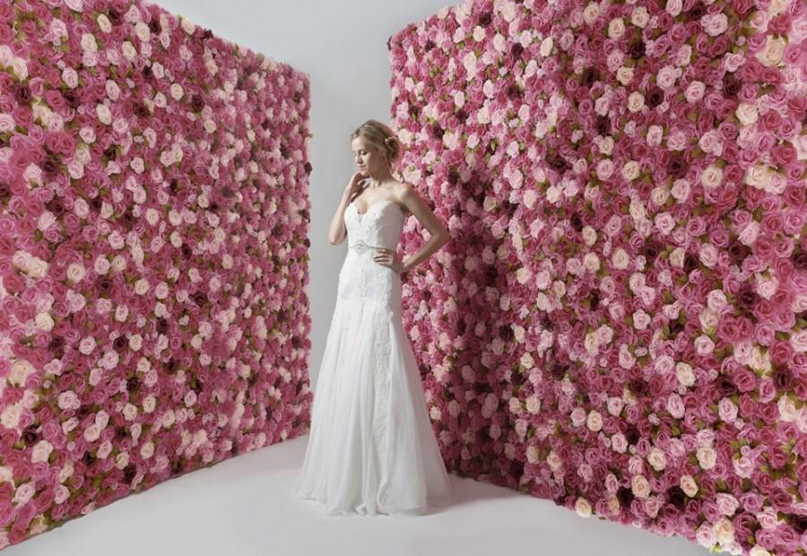 Sleeveless mermaid wedding dress