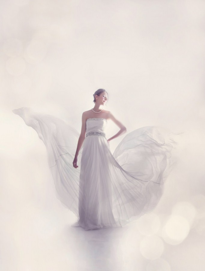 Chapel train wedding dress