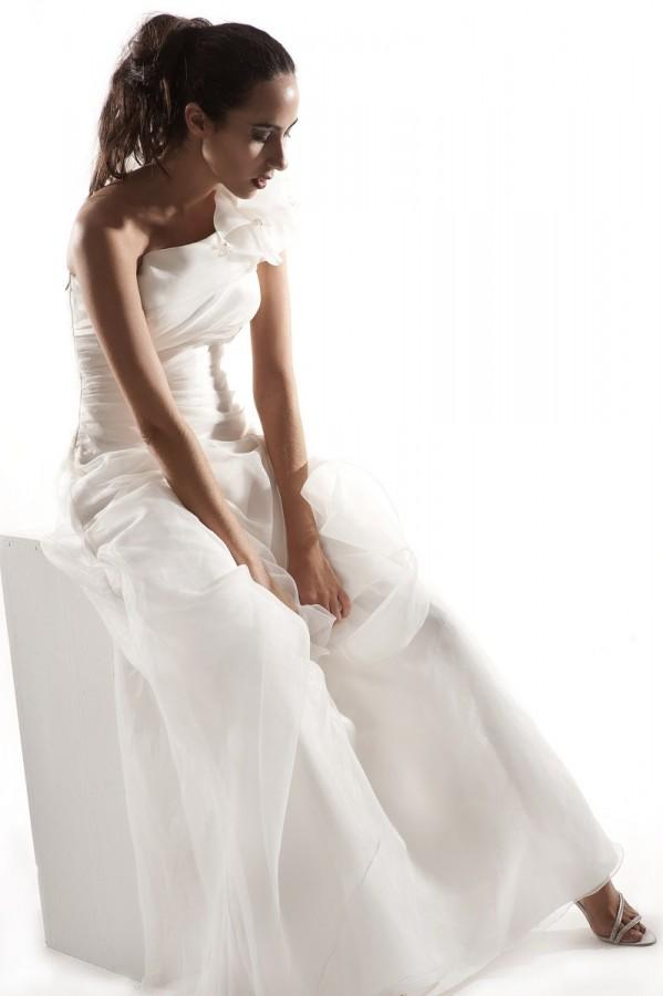 Flower appliques organza wedding gown