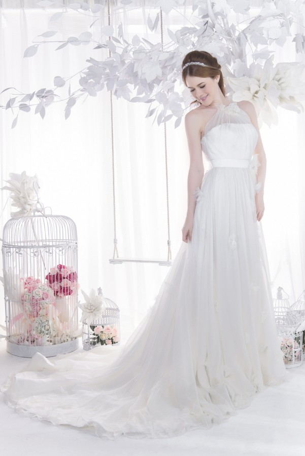 Halter neck silk chiffon wedding dress