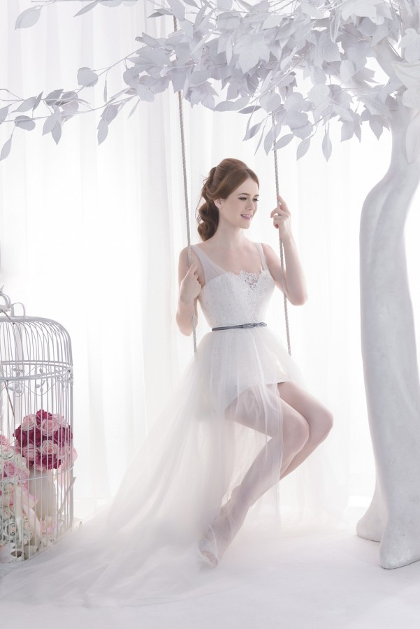 Short gown with see through layer