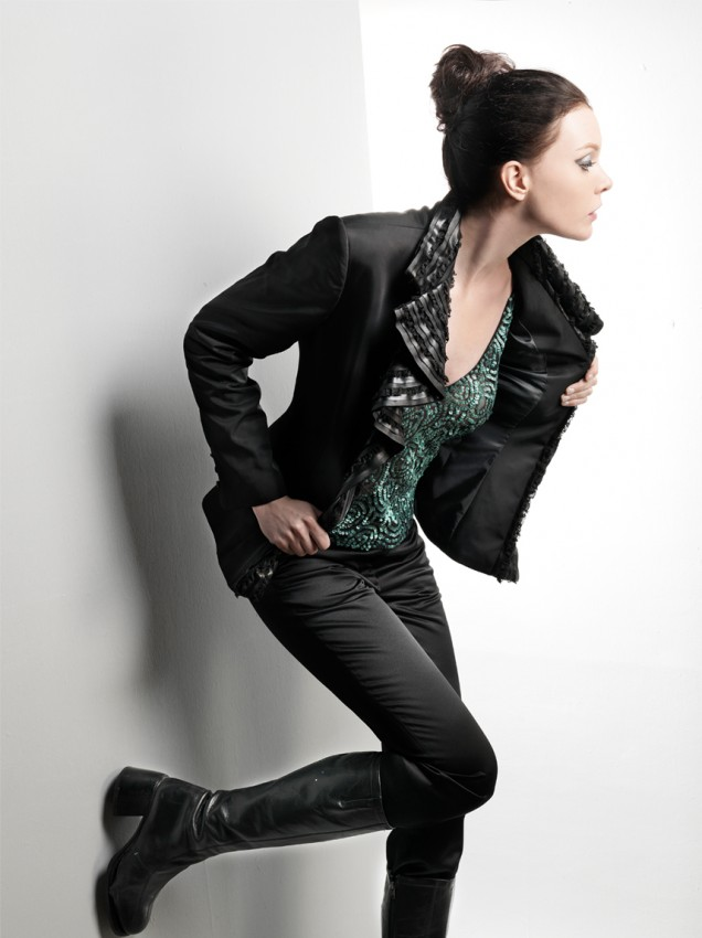 Jacket with leather collar